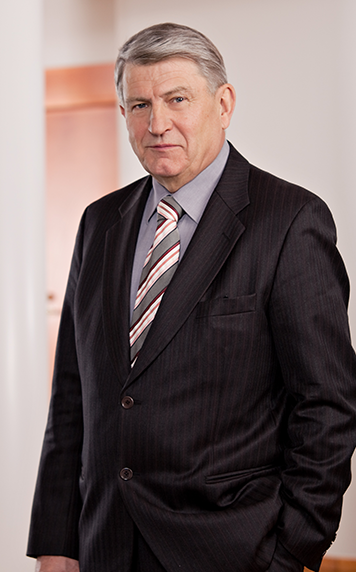89 ILPO KOKKILA b. 1947, Master of Science (Technology). (Member of the Remuneration Committee). Domicile: Helsinki, Finland. Principal occupation: SRV Group Plc: Board Chair.