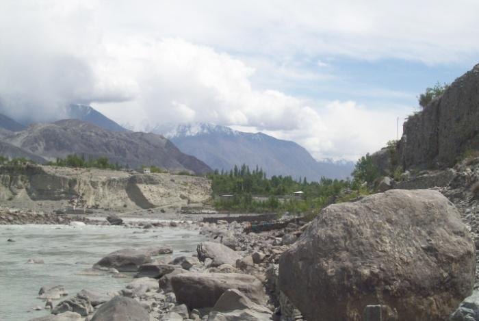 1. The Town Nucleus 2. Kunadas Plateau 3. Danyor Plain (+ Gujar Das) 4. Jutial 5. Basin The overall city is longitudinally spread along the North and South bank of the Gilgit River.