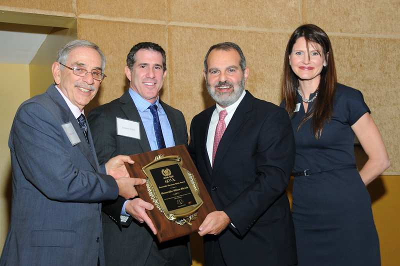 1 of 8 3/2/2015 1:40 PM MIAMI-DADE FAWL HONORS JUDGE MILTON HIRSCH By: Deborah Baker HONORING THE JUDICIARY AT MIAMI-DADE FAWL'S 32ND ANN JUDICIAL RECEPTION By: Ileana Cruz On December
