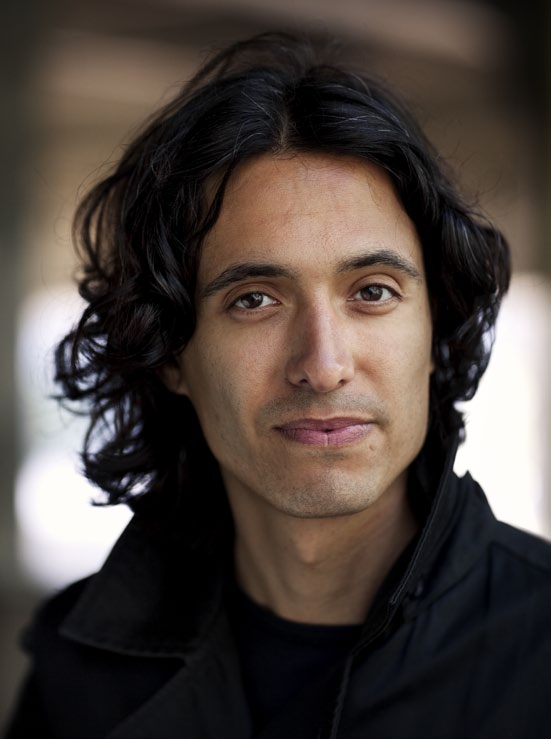 Literary fiction JOnas Hassen Khemiri Jonas Hassen Khemiri, born 1978, made a celebrated debut in 2003 with Ett öga rött/one Eye Red, which sold over 200.