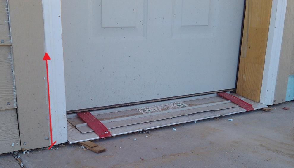 Doors No-step Entries Same as windows, except: On no-step (rolling entry) doors, there is no bottom piece of trim.