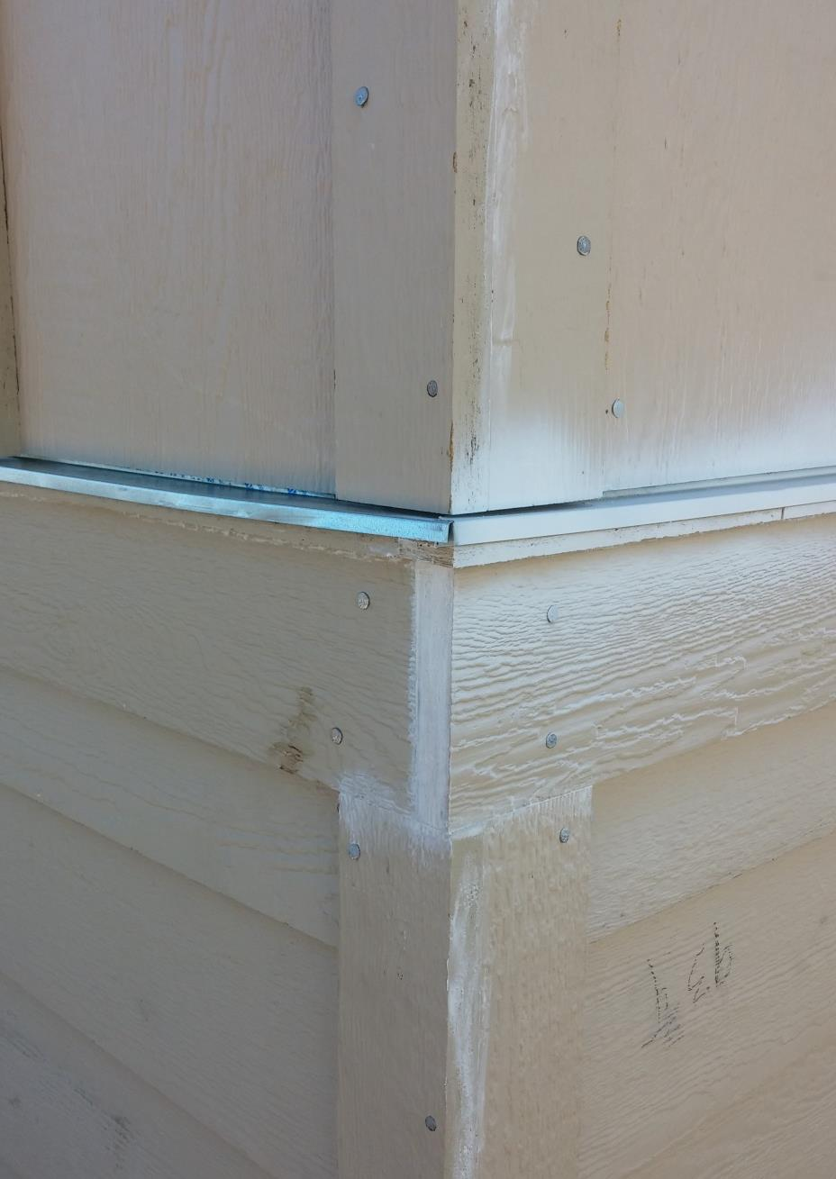 Exterior Corner Trim Exceptions Occasionally plans will call for bellyboard or other horizontal trim to wrap around a corner.