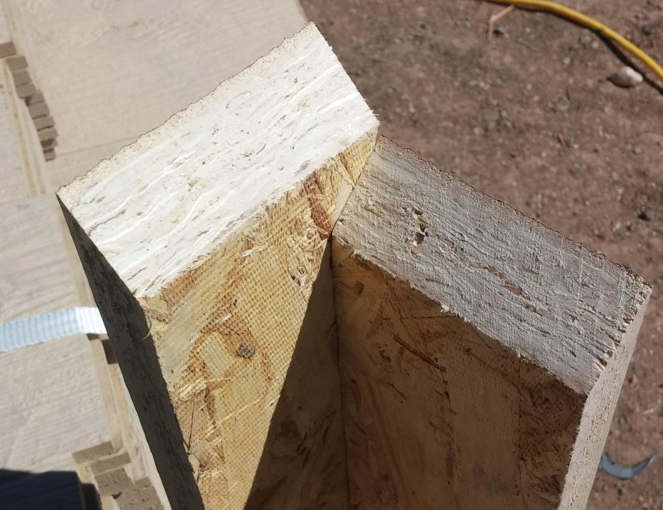 Exterior Corner Trim When corner is taller than 16', always splice corners with staggered miter cuts.