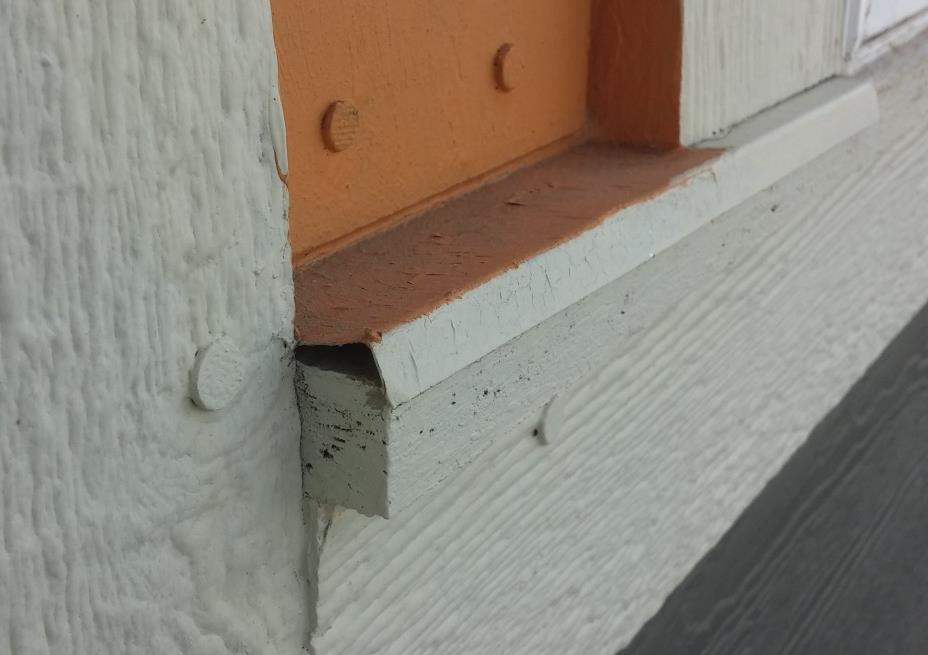 Flashing on Trim Best Practices When installing flashing, make sure water will drain off of it not drain back or pool on top.
