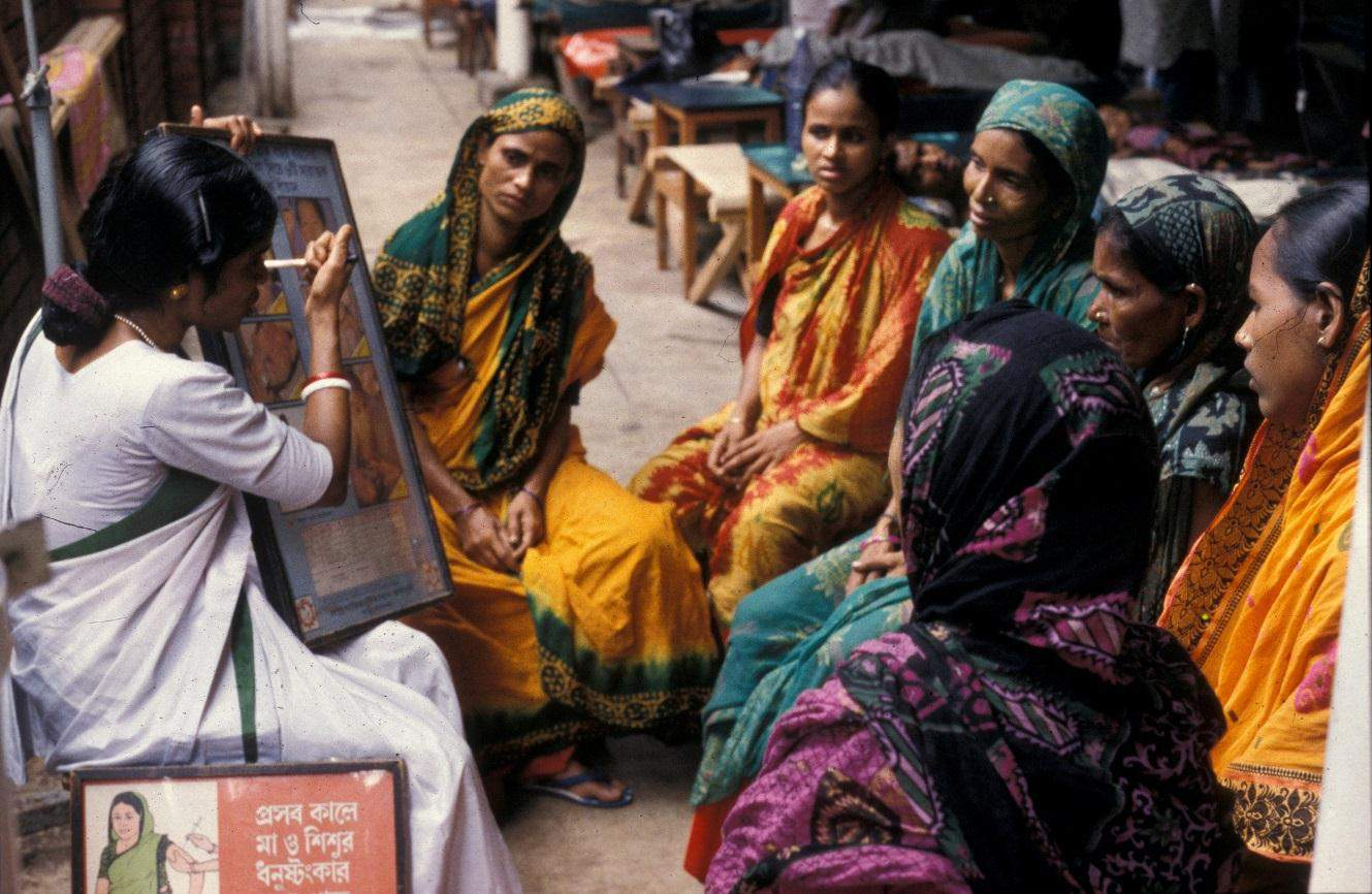CONTEXT ANALYSIS: CLOSE-TO- COMMUNITY HEALTH CARE SERVICE PROVIDERS IN BANGLADESH M.