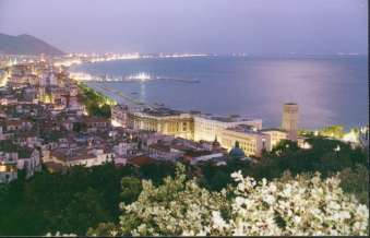 The surroundings Salerno by night The is