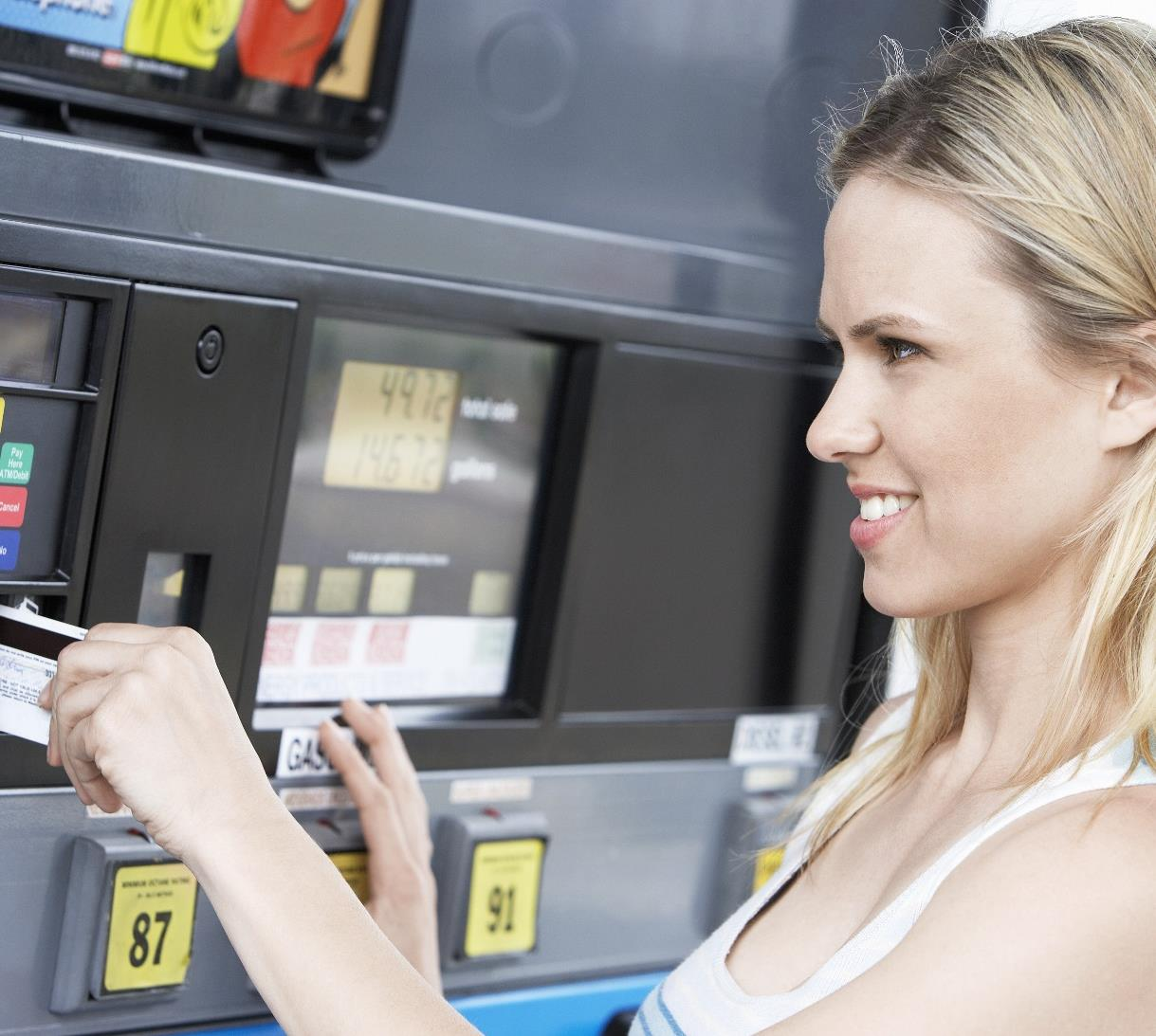 Gas Price Expectations Are Changing Consumer Spending Behavior MARCH 2015 Consumers expect gas prices to increase in the next three months.