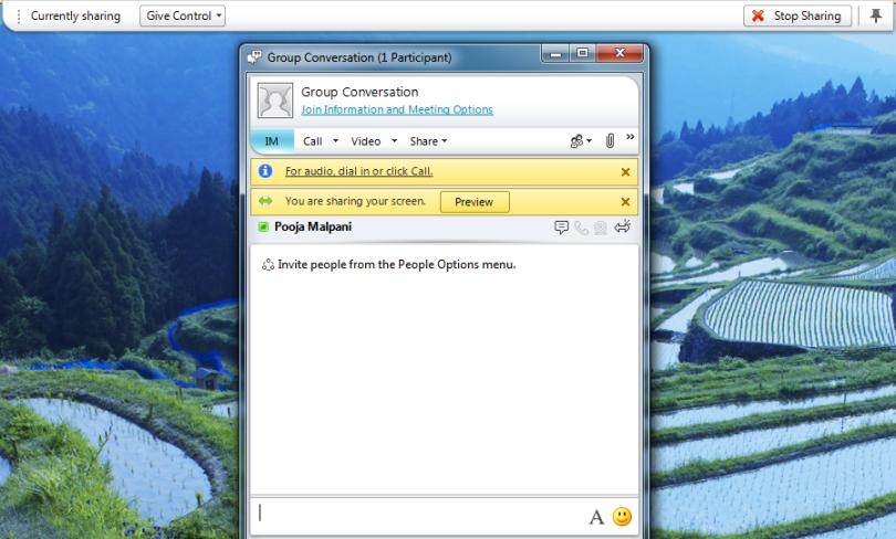 Desktop and File Sharing Bring work and people together With Lync 2010, you can connect and share your work directly from