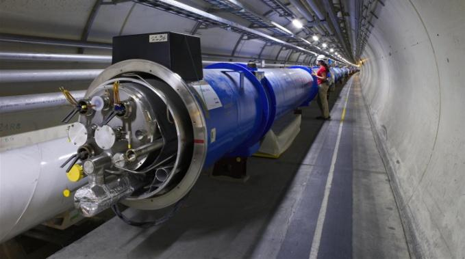 Example Cern, LHC 2012: LHC experiments generated 22PB of data 99% have already been thrown away