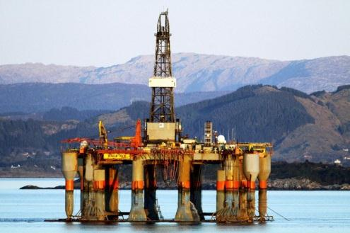 Does this theory work in practice? continued Norway discovered North Sea oil in 1970s.