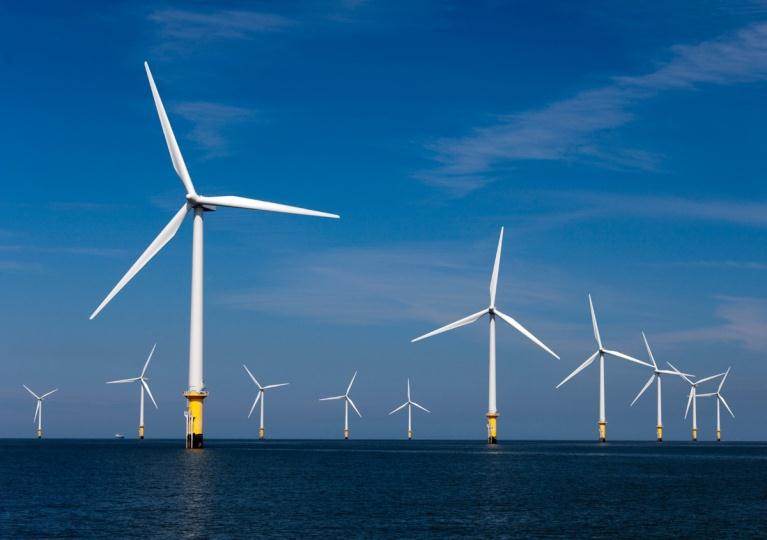 OFFSHORE WIND TECHNOLOGY DEVELOPMENT Turbine design is set: fast rotating wind turbines with three rotor blades are the most efficient in