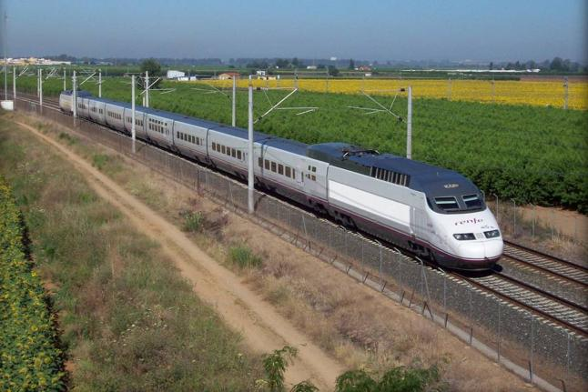 2 Spanish Railway Network Total railway network: 15,333 km HS network standard gauge (1,435 mm): 2,322 km HS network Iberian gauge (1,668 mm): 84