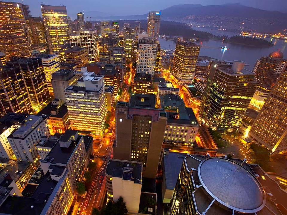 Metro Vancouver Urban Region 21 cities in regional federation (GVRD) 2.5 million residents, 3.