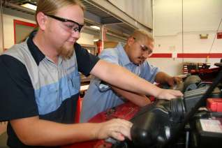 DEALER-BASED INTERNSHIPS Honda PACT Internship Information & Requirements At PACT schools like GateWay, students are taught by an ASE certified instructors who specialize in Honda technology.
