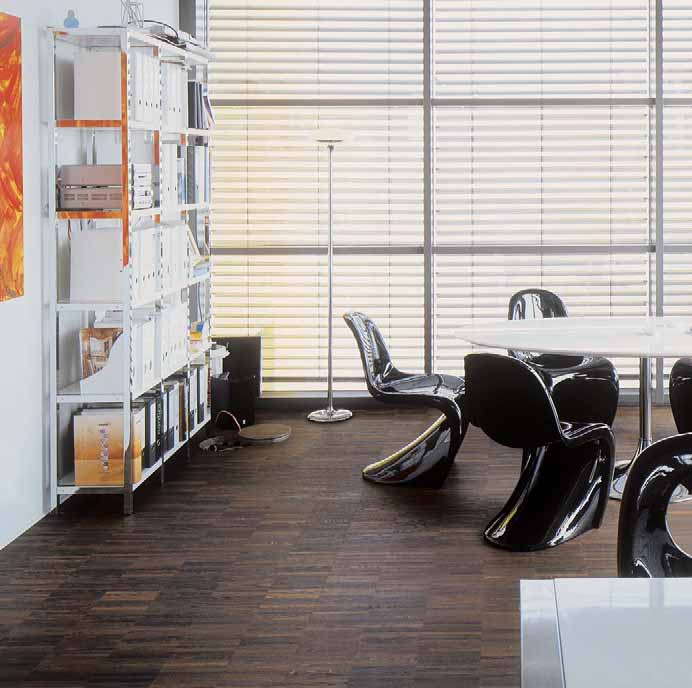 WOODline The floor has always been an essential part of a highly specified room. Whether in a conference room or in the modern office, parquet floors make you feel good.