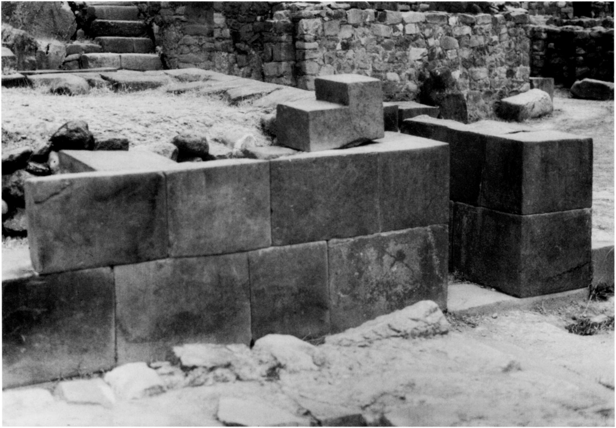"The fillet stones between the mono- liths at Ollantaytambo do not fit the description of infill masonry, but rather that of ""wedge"" stones, to be discussed below."
