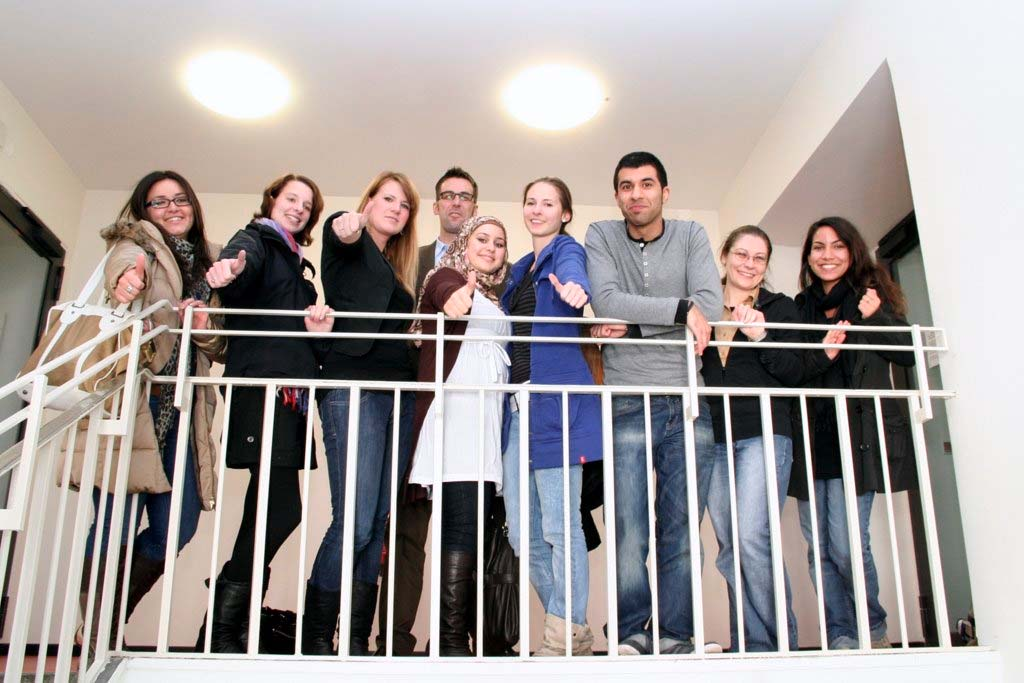 Guide for International Students at Berlin School of Economics and Law Under the direction of: Frau Prof. Dr. Pakize Schuchert-Güler Assisted by: Dr.