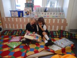 How we teach reading in the EYFS Love of reading Selection of books Reading strategies look at the picture, ask predicting questions Questioning comprehension Provide simple poetry, song, fiction and