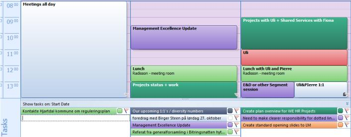 Slide 14 Managing your tasks with your calendar (2) Now, you can see both your appointments and the tasks you plan to do that week. You can drag tasks to days where you have time to work on tasks.