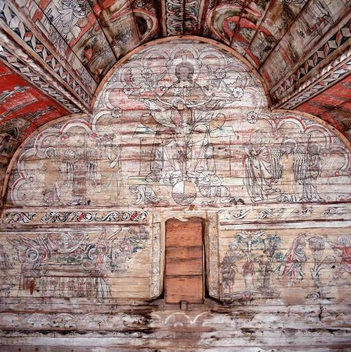 50 Figure 12 Examples of valuable wall and ceiling paintings from the Södra Råda church, to the right is a detail of one of the paintings.