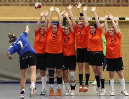 OFFENSE AND DEFENSE In handball all the players play in offense and in defense, everyone participates in defensive and offensive play at the same time. Offensive Strategy: 1.