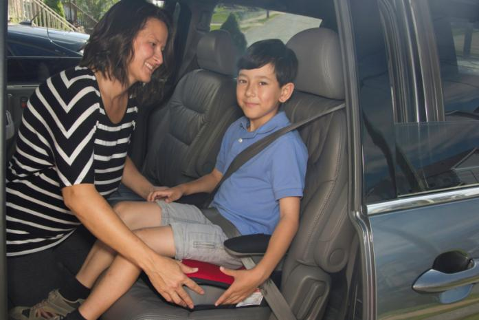 Frequently asked questions about using a booster seat Who should use a booster seat