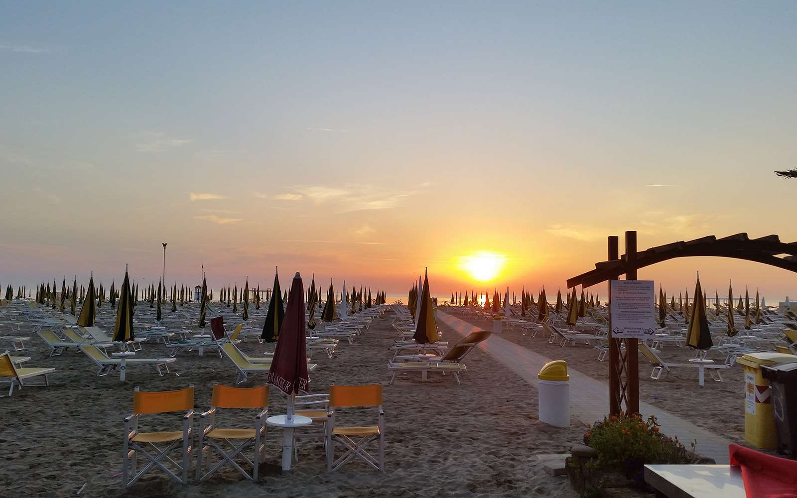 ACCOMMODATION RIMINI RIVIERA, SELECTED 3* HOTELS Our Rimini Riviera hotels are located at walking