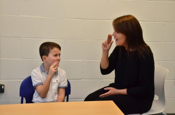 Introduction to speech sound development and cued articulation Course details This course is suitable for teachers and teaching assistants who work with children who present with speech sound