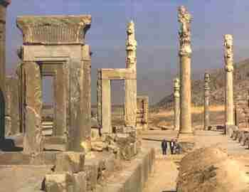 Hall of Hundred Columns Persepolis King s Palace http://www.traveladventures.