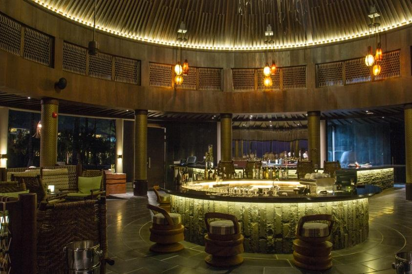 Dining Experiences Senses All day dining restaurant, with contemporary design, integrating rustic, weathered wood and decorative stone tiles.