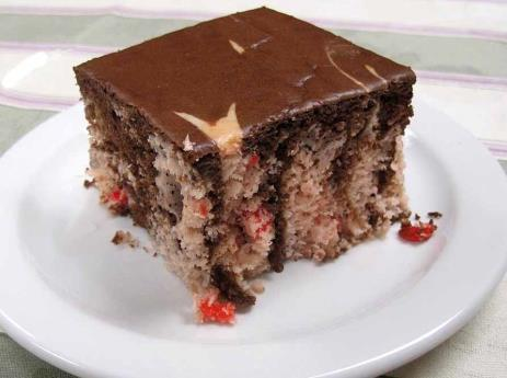 Chocolate Covered Strawberry Cake 1 package Strawberry Dream Cake Mix 1 package Chocolate Cake Mix 3 cups warm water 1 package Chocolate Frosting Mix 1-1 / 3 cups of 2% low-fat milk Recipe Yields: