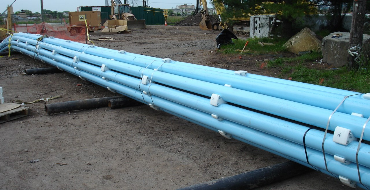 Installations: Trenchless Horizontal Directional Drilling (HDD) Sliplining Pipe Bursting Jack-and-Bore Carrier Pipe Open-Cut Features and Benefits: The only fusible polyvinyl chloride (PVC) pipe