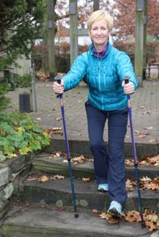 8 Urban Poling STRENGTH EXERCISES* 6. SHIN STRENGTHENER: Gently rest the boot tips on your toes, and lift and lower toes. 7.