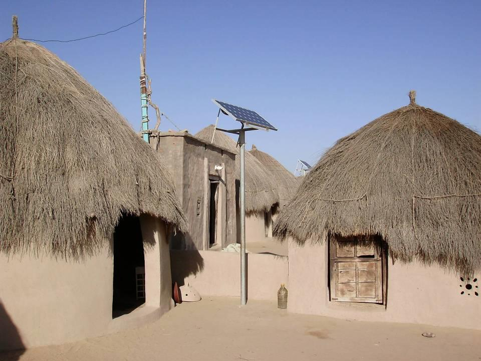 FUTURE PROSPECTS OF SOLAR ENERGY IN PAKISTAN Off-Grid Solar Systems Approx.