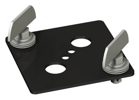 Projector Accessories 17 003.1120 Adapter plate. 003.1121 Rental plate. Quarter-turn latches make attaching/detaching a projector easy. For use with a projector-specific bracket.