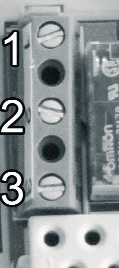 be controlled to terminals No. 1 (NO) and No. 2 (COM), i.e. to the normally open terminals of the relay, while the two connection wires of the cooling equipment should be connected to terminals No.