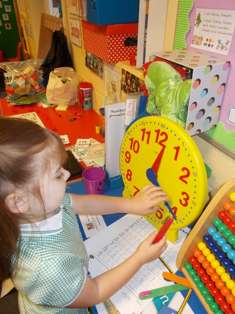 Mathematics Space, shape and measure Begin to use everyday language to talk about: Size Weight