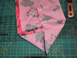 Instructions: 1. Cut all fabric pieces to size 2. Fold the following pieces in half and sew a ⅜ seam: a. Fabric A: Outside bag 17 x 13 to make an 8 ⅛ x 13 rectangle. b. Fabric B: Inside bag 17 x 12 ½ to make an 8 ⅛ x 12 ½ rectangle.