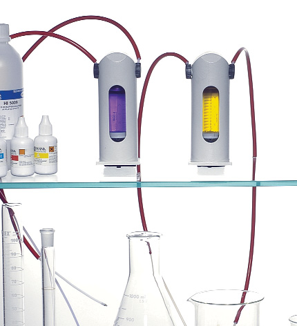 Powerful Customization, Accurate Analysis 6 HI 901 and HI 902 are automatic titrators from HANNA that compliment our wide range of products dedicated to quick and accurate laboratory analysis.