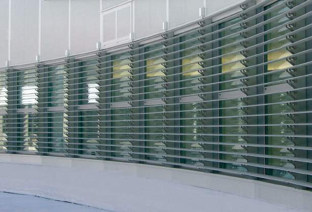 louvres Customised design and manufacture Fixed, sliding or folding louvres Choice of aluminium, timber or pvc composite Choice of RAL colours Manual or motorised Enviroblinds louvres are customised