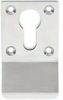 Door Security Model No: DSS-01 145004-25401-626 Satin Chrome DSS-01 Lockwood Security Door Chain SC Model No: DSS-02 145004-25402-626 Satin Chrome DSS-02 Lockwood Security Door Guard SC Model No: