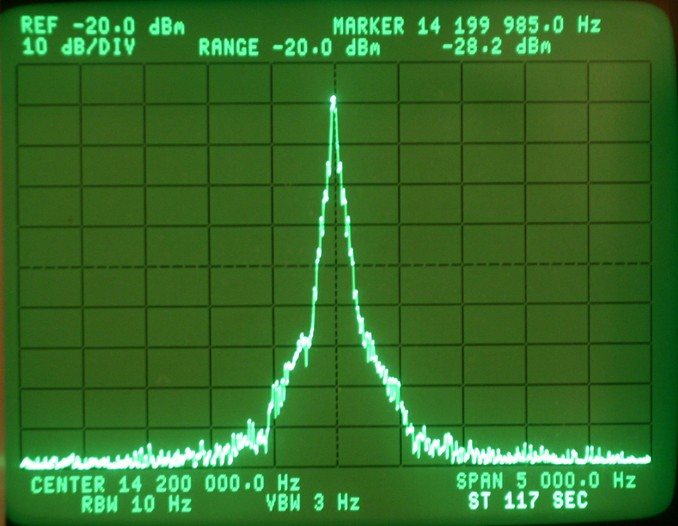 Spectrum of CW Signal on HP 3585A Analyzer Rise Time 10