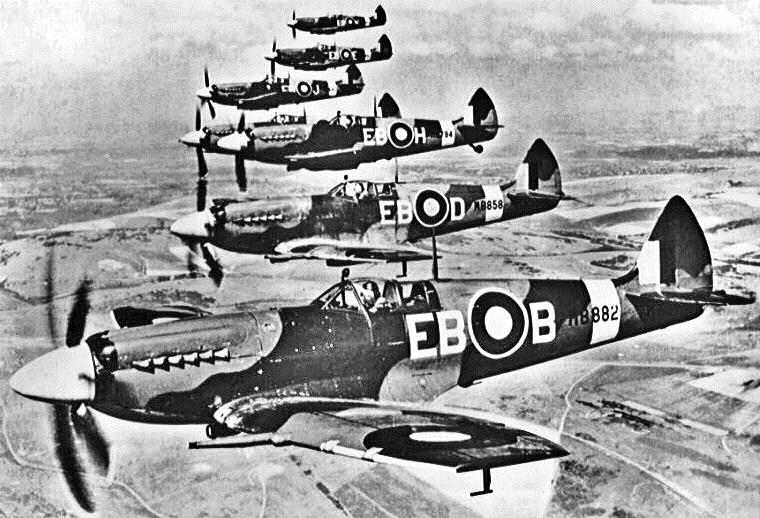 Europe at War (cont.) In August of 1940, the German air force, the Luftwaffe, launched a major offensive on Great Britain.