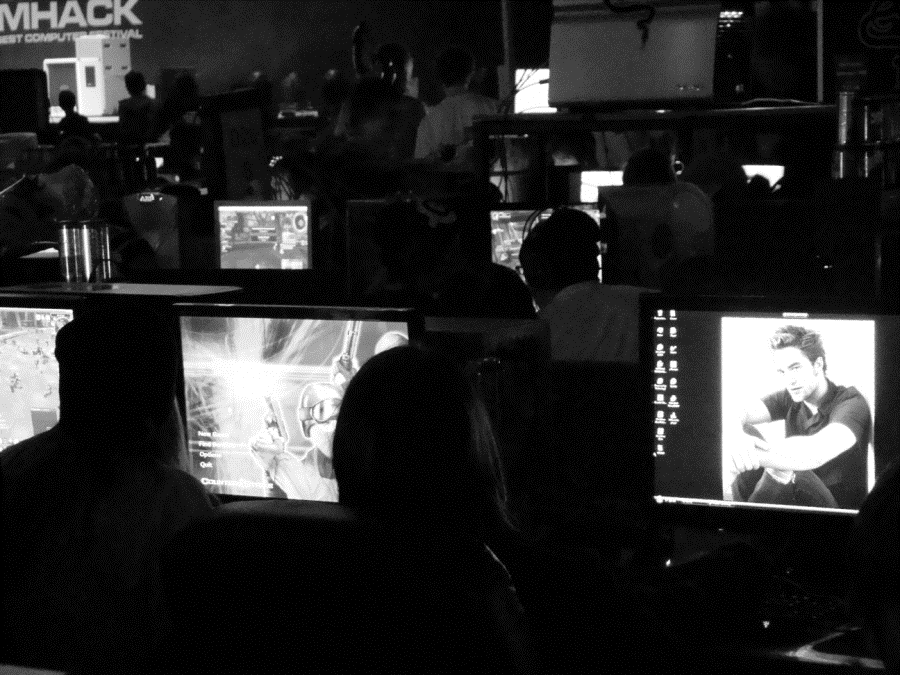 5. GROWING PRESENCE OF WOMEN IN GAME CULTURE Strikingly ordinary is one way to describe women playing in the BYOC area at DreamHack.