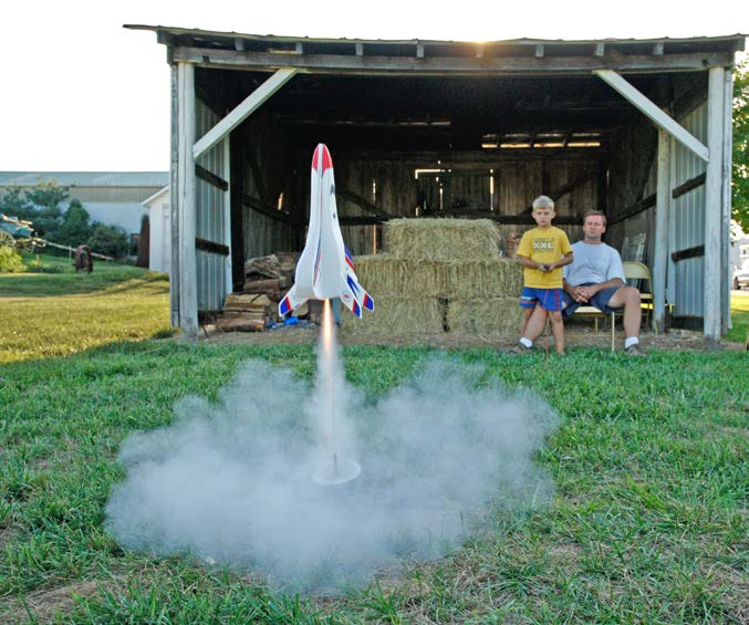 Table of Contents Liftoff!... 4 The History of Rockets... 5 Parts of a Model Rocket... 6 At the Launchpad... 10 Clubs and Competitions... 12 Glossary... 16 Liftoff! Three... two... one... liftoff!