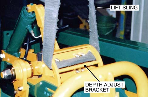 10 Attach a lift sling as shown. Fig.9 CAUTION Use lift equipment with a rated capacity to lift the Cutter Head Assembly. Failure to do so could result in serious injury to yourself and to others.