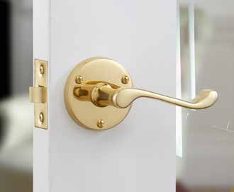 Rose Handles & Matching Bathroom Turns Victorian Scroll Brass DFU0071 H62mm x W62mm x D9mm Finish: Polished Brass Suitable for use with a tubular mortice latch (LAL0075/76/77/78/54/56/40) Victorian