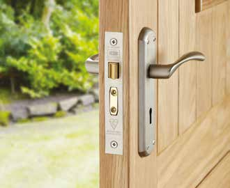 Sashlocks Sashlocks have a deadbolt, a latch and a key, and can be operated from both sides of the door.