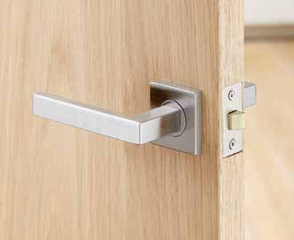 Pack Pack includes door furniture, latch, hinges and fixings.