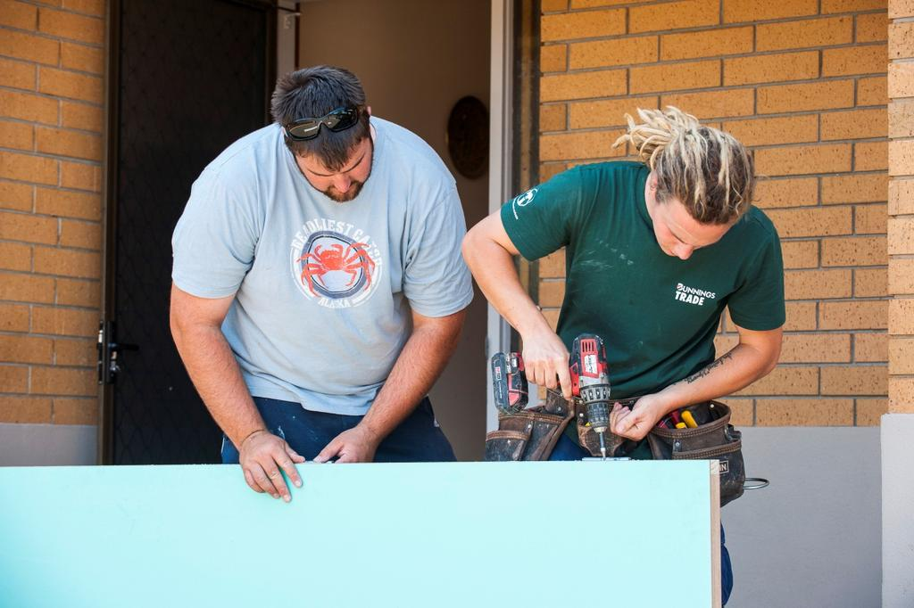 4.3 WORKS PROGRAM PARTICIPANT 3 KODY Building Jobs Matthew (left) and Kody (right) on work experience with Bettio Builders 4.3.1 EXPERIENCES BEFORE PARTICIPATING IN THE WORKS PROGRAM Kody was just 17 years old when he became involved in Renewal SA s Works Program.
